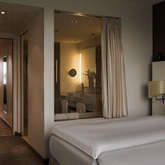 Отель Pullman Berlin Schweizerhof сейф в номере