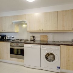 Отель Design Flat in Finchley Road в номере