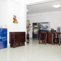 Отель LeBlanc Saigon интерьер отеля фото 2