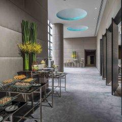 Отель Holiday Inn Bangkok Sukhumvit Бангкок интерьер отеля фото 3