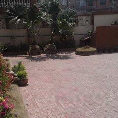 Отель Amar Hotel Непал, Катманду - отзывы, цены и фото номеров - забронировать отель Amar Hotel онлайн парковка