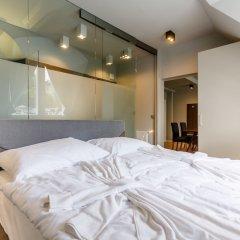 Апартаменты Apartments Bohemia Rhapsody сейф в номере
