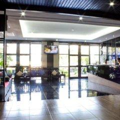 Отель Golden Tulip Essential Pattaya интерьер отеля