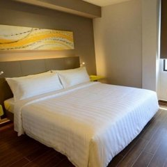 Отель GLOW Penang Малайзия, Пенанг - 1 отзыв об отеле, цены и фото номеров - забронировать отель GLOW Penang онлайн комната для гостей фото 2