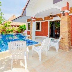 Отель Baan Kanittha - 4 Bedrooms Garden Villa балкон