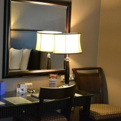 Sheraton Khalidiya Hotel удобства в номере