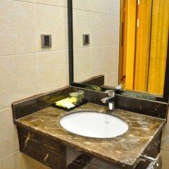 Отель Baowan Hotel Китай, Гуанчжоу - отзывы, цены и фото номеров - забронировать отель Baowan Hotel онлайн ванная фото 2