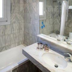 Отель Catalonia Castellnou ванная