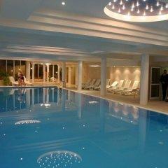 Hotel Ambasador Chojny бассейн
