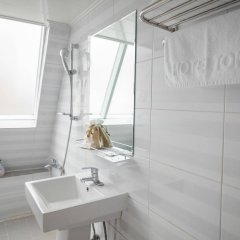 Отель Travel Monster Южная Корея, Сеул - отзывы, цены и фото номеров - забронировать отель Travel Monster онлайн ванная фото 2