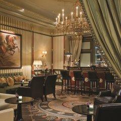 Shangri-La Hotel Paris гостиничный бар