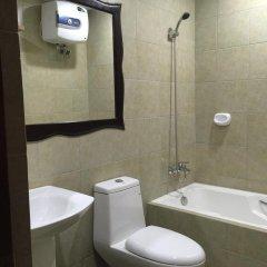Отель Ocean Cruise Hotel Филиппины, Лапу-Лапу - отзывы, цены и фото номеров - забронировать отель Ocean Cruise Hotel онлайн ванная
