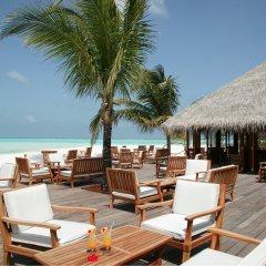 Отель Meeru Island Resort & Spa Мальдивы, Остров Фуранафуши - 10 отзывов об отеле, цены и фото номеров - забронировать отель Meeru Island Resort & Spa онлайн питание фото 2