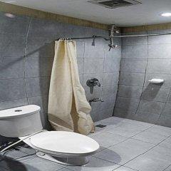 Отель Gran Prix Hotel Pasay Филиппины, Пасай - отзывы, цены и фото номеров - забронировать отель Gran Prix Hotel Pasay онлайн ванная фото 2