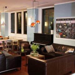 Отель Amstel House Hostel Германия, Берлин - 9 отзывов об отеле, цены и фото номеров - забронировать отель Amstel House Hostel онлайн интерьер отеля