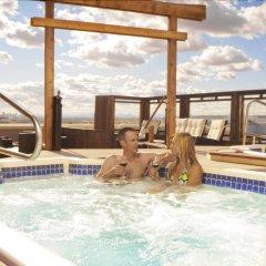 Отель Acclaim Hotel Calgary Airport Канада, Калгари - отзывы, цены и фото номеров - забронировать отель Acclaim Hotel Calgary Airport онлайн бассейн