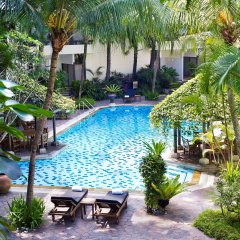 Goodwood Park Hotel бассейн