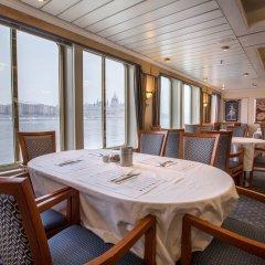 Отель OnRiver Hotels - MS Cezanne питание фото 2