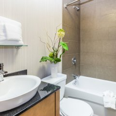 Отель Universel Канада, Квебек - отзывы, цены и фото номеров - забронировать отель Universel онлайн ванная