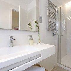 Отель Angel Suite - Madflats Collection ванная