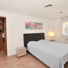 Отель Apartamento Duplex Llaverias Испания, Льорет-де-Мар - отзывы, цены и фото номеров - забронировать отель Apartamento Duplex Llaverias онлайн комната для гостей фото 3