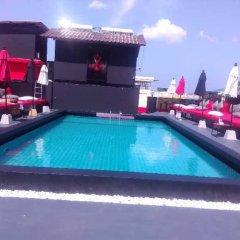 Отель Holiday Home Patong бассейн