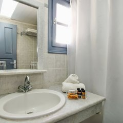 Отель Atlantis Beach Villa Греция, Остров Санторини - отзывы, цены и фото номеров - забронировать отель Atlantis Beach Villa онлайн ванная