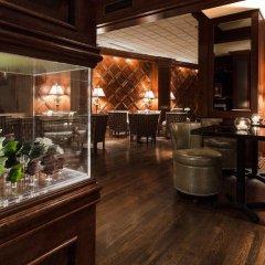 The Whitehall Hotel гостиничный бар