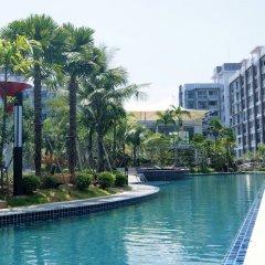 Отель Dusit Grand Park By Lurii Паттайя бассейн
