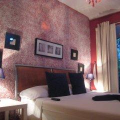 Отель Hostal Casa de Huespedes Marisol сейф в номере