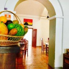 Отель Araliya Villa Fort в номере