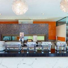 Отель Lasalle Suites & Spa питание