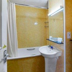 Отель Bayswater Inn ванная фото 2