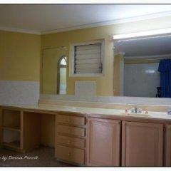 Отель Beachcomber Club Resort Ямайка, Саванна-Ла-Мар - отзывы, цены и фото номеров - забронировать отель Beachcomber Club Resort онлайн ванная фото 2