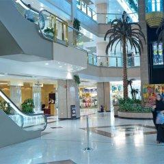 Отель Golden Tulip Sharjah ОАЭ, Шарджа - 1 отзыв об отеле, цены и фото номеров - забронировать отель Golden Tulip Sharjah онлайн спортивное сооружение