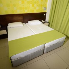 Les Palmiers Beach Hotel in Larnaca, Cyprus from 124$, photos, reviews - zenhotels.com guestroom photo 5