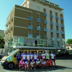 Hotel Adlon городской автобус