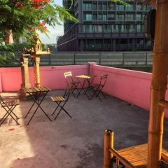 Отель Padi Madi Guest House Бангкок бассейн фото 3