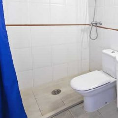 Отель PA Villa de Madrid Apartamentos Испания, Бланес - отзывы, цены и фото номеров - забронировать отель PA Villa de Madrid Apartamentos онлайн ванная