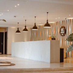 Отель Cook's Club Hersonissos Crete - Adults Only Греция, Херсониссос - отзывы, цены и фото номеров - забронировать отель Cook's Club Hersonissos Crete - Adults Only онлайн интерьер отеля
