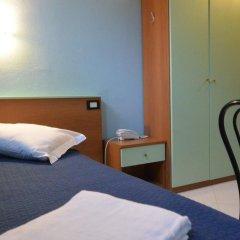 Hotel Mercurio сейф в номере