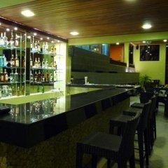 Отель DCoconut Hill Resort гостиничный бар