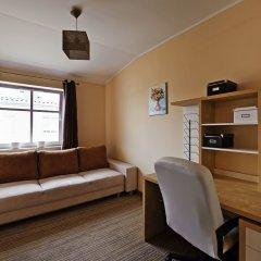 Апартаменты Dom And House Apartments Parkur Sopot Сопот сейф в номере