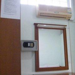 Отель Samran Residence Краби сейф в номере