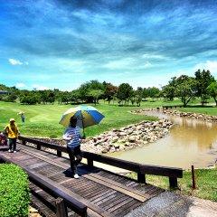 Отель The Golf Lodge Laem Chabang спортивное сооружение