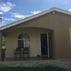 Отель Home in Paradise Ямайка, Монтего-Бей - отзывы, цены и фото номеров - забронировать отель Home in Paradise онлайн вид на фасад
