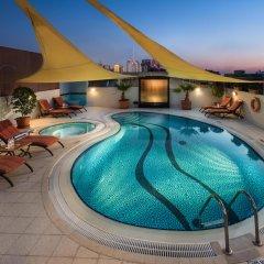 Savoy Suites Hotel Apartments бассейн
