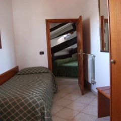 Отель Nazional Rooms Италия, Рим - 1 отзыв об отеле, цены и фото номеров - забронировать отель Nazional Rooms онлайн сейф в номере