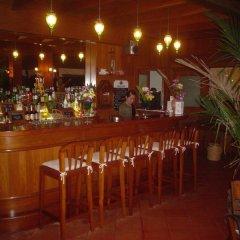 Отель Baan Mai Cottages & Restaurant гостиничный бар