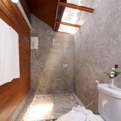 Отель Phuket Siray Hut Resort Таиланд, Пхукет - отзывы, цены и фото номеров - забронировать отель Phuket Siray Hut Resort онлайн ванная фото 2
